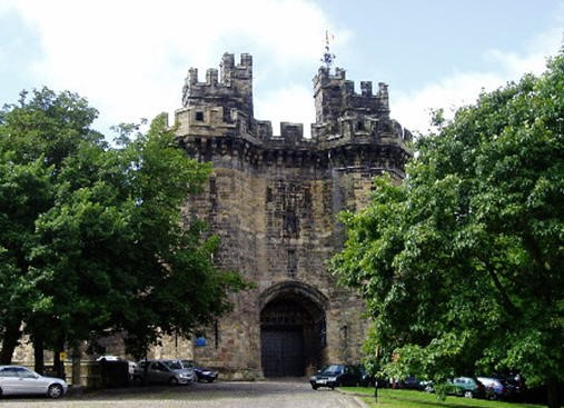 Lancaster city centre castle property
